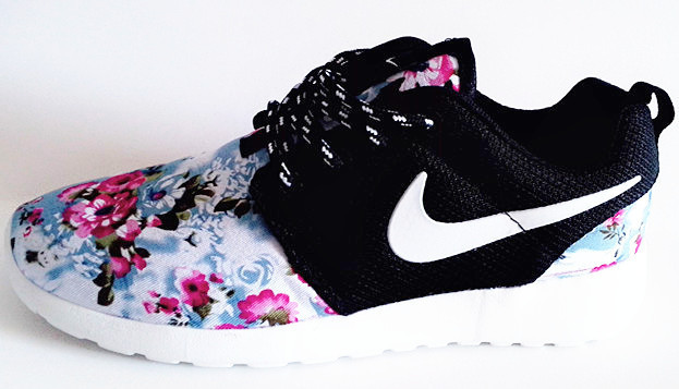 pretty nice 35912 722e9 Vente Chaude Nike Roshe Run Femme Fleur Prix Usine Jing445